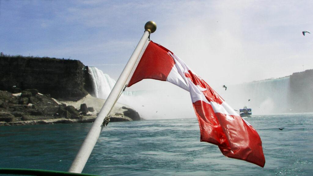 Kanada, Niagara Fälle, Horseshoe Falls, Flagge Kanada