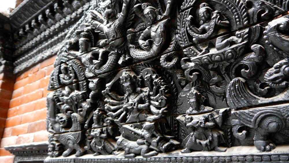 Kathmandu, Schnitzerei am Palast der Kumari